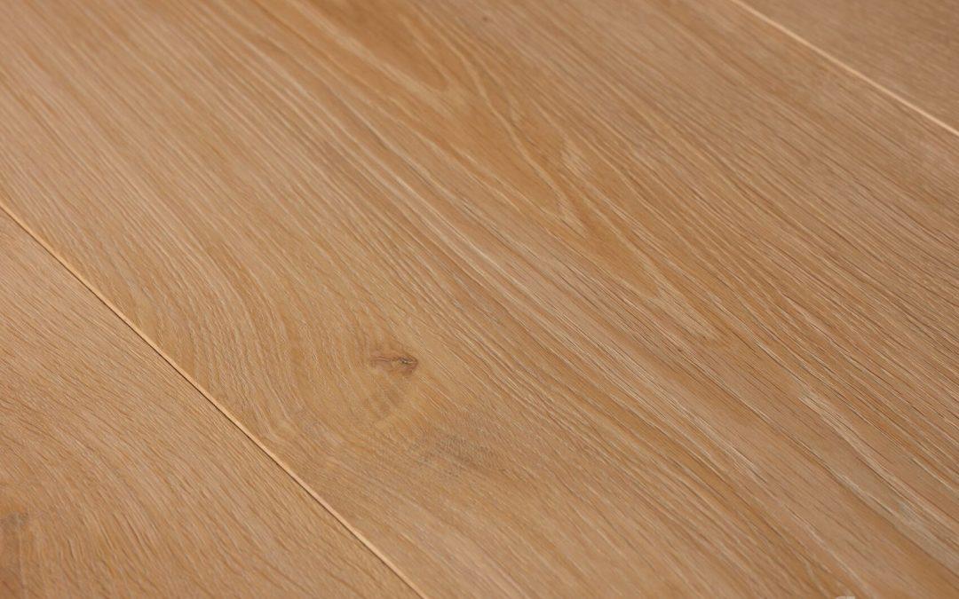 Oak Select Brushed Raw Wood Look